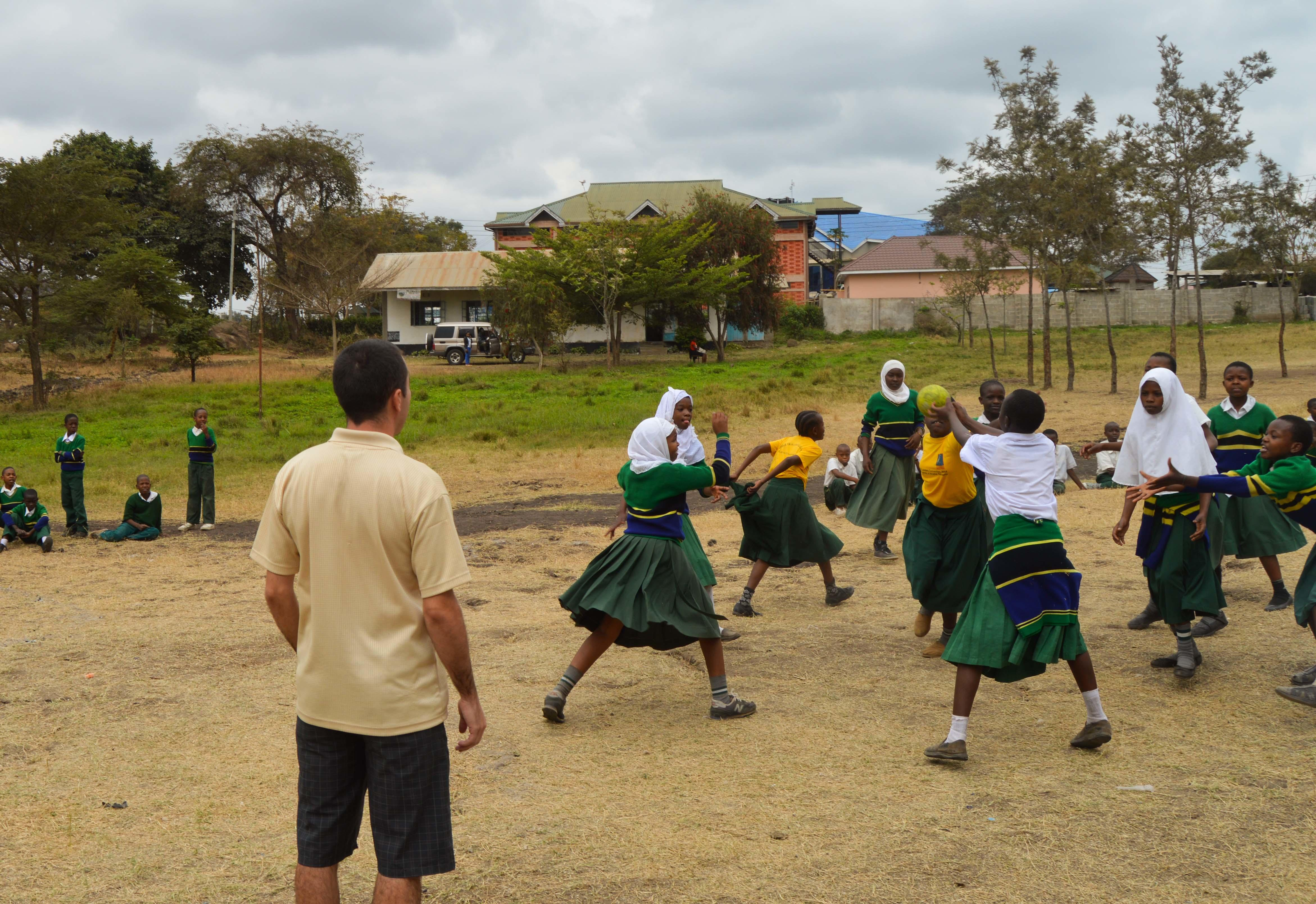 A Projects Abroad volunteer coaches sports in schools in Tanzania
